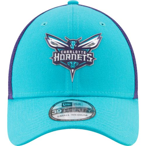 New Era Men's Charlotte Hornets On Court 2-Tone 39THIRTY Cap