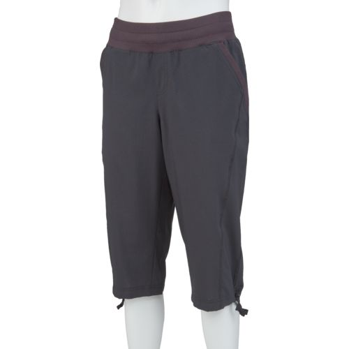 Display product reviews for BCG Women's Woven Lifestyle Capri Pant