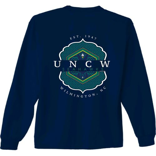 New World Graphics Women's University of North Carolina at Wilmington Faux Pocket T-shirt