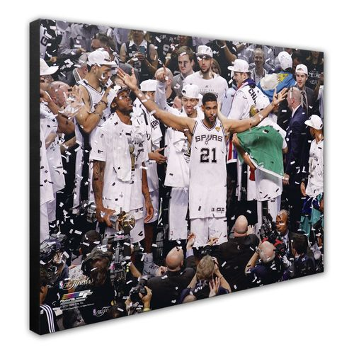 Photo File San Antonio Spurs Tim Duncan Celebrates 8' x 10' Photo