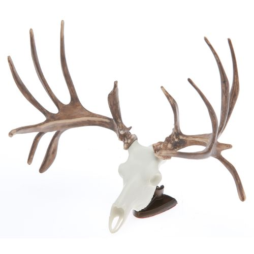 King's Raxx White-tailed Deer Figurine