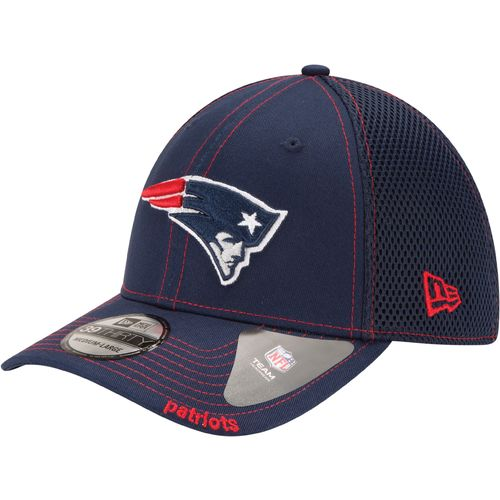 New Era Men's New England Patriots Neo 39THIRTY Cap