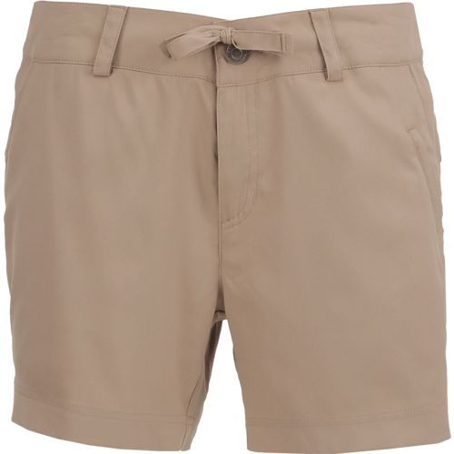 Magellan Outdoors Women's Falcon Lake 5 in Bermuda Short