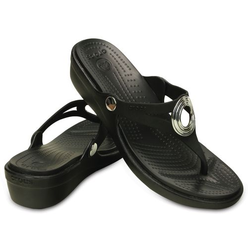 Crocs Women's Sanrah Beveled Circle Wedge Flip-Flops - view number 6
