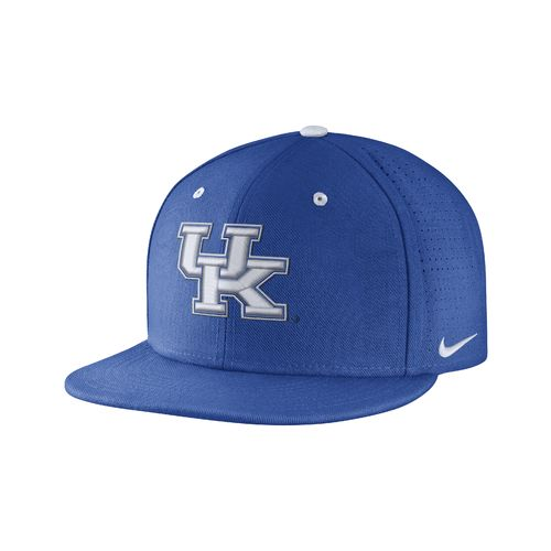 Nike™ Men's University of Kentucky True Vapor Fitted Cap