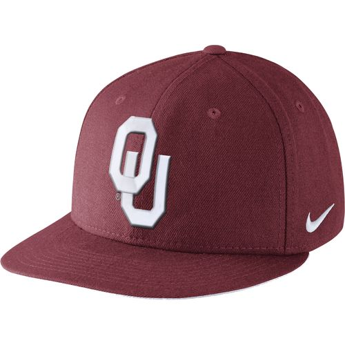 Nike™ Men's University of Oklahoma Players True Snapback Cap