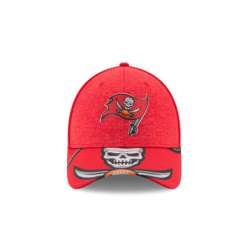 New Era Men's Tampa Bay Buccaneers 39THIRTY NFL17 On Stage Cap - view number 10