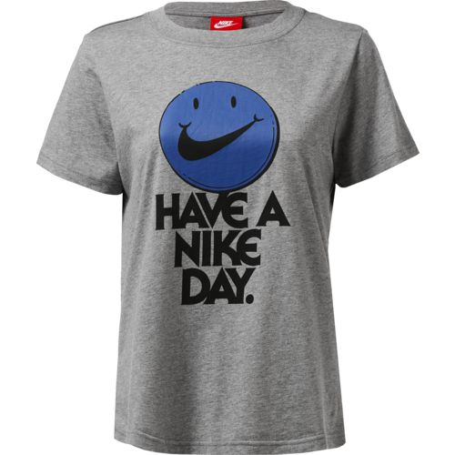Display product reviews for Nike Women's Nice Day T-shirt