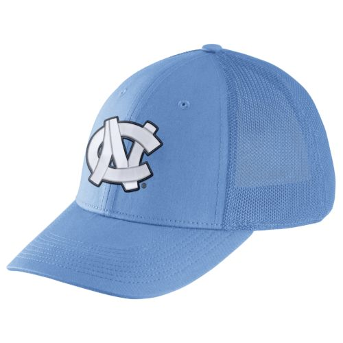 Nike Men's University of North Carolina Legacy91 Swoosh