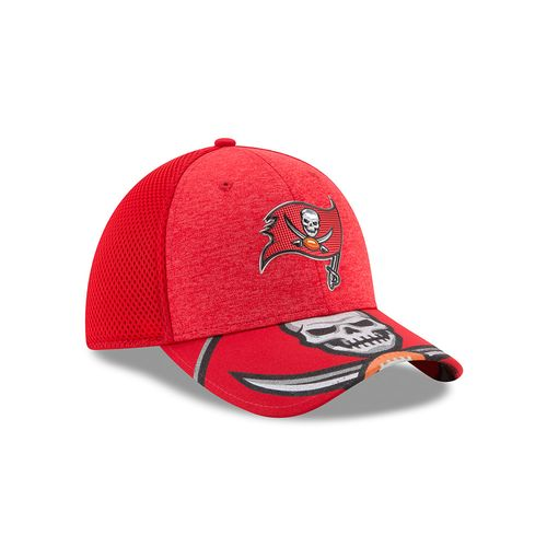 New Era Men's Tampa Bay Buccaneers 39THIRTY NFL17 On Stage Cap - view number 3
