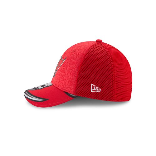 New Era Men's Tampa Bay Buccaneers 39THIRTY NFL17 On Stage Cap - view number 4