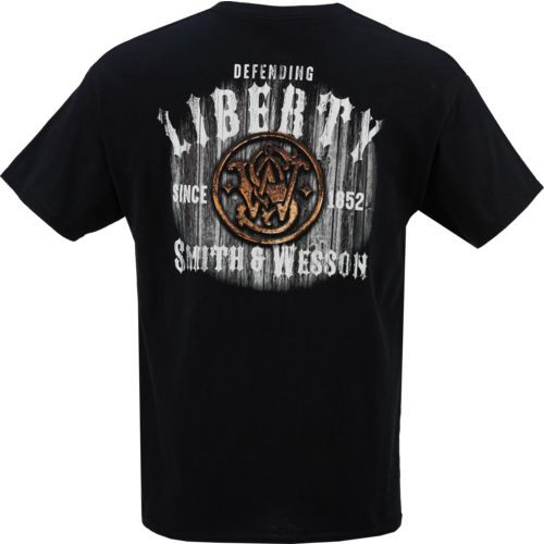 Smith & Wesson Men's Defending Liberty T-shirt