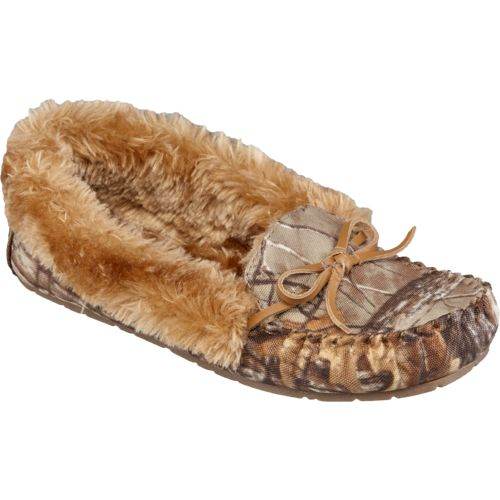 Austin Trading Co.™ Women's Realtree Fur Moccasins - view number 2