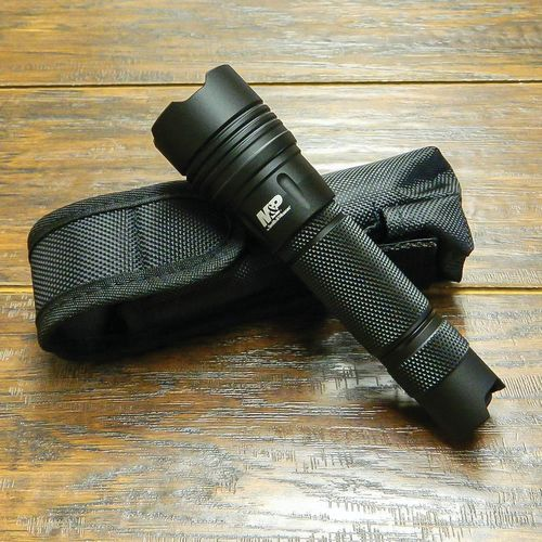 Smith & Wesson M & P 10 LED Tactical Flashlight