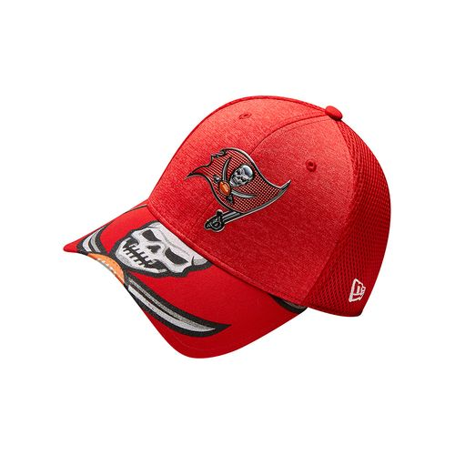 New Era Men's Tampa Bay Buccaneers 39THIRTY NFL17 On Stage Cap - view number 7