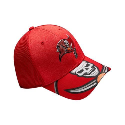 New Era Men's Tampa Bay Buccaneers 39THIRTY NFL17 On Stage Cap - view number 8