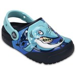 Crocs Boys' Fun Lab Shark Lights Clogs - view number 2