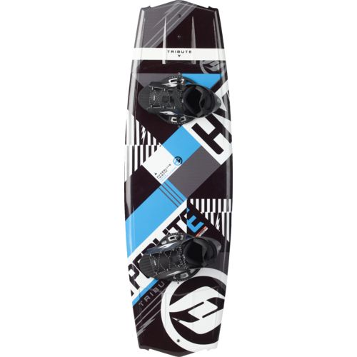 Hyperlite 137 Tribute Wakeboard with Frequency Boots
