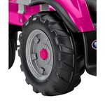 Peg Perego Girls' Case IH Magnum 12 V Ride-On Tractor and Trailer - view number 3