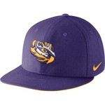 Nike™ Men's Louisiana State University Players True Snapback Cap
