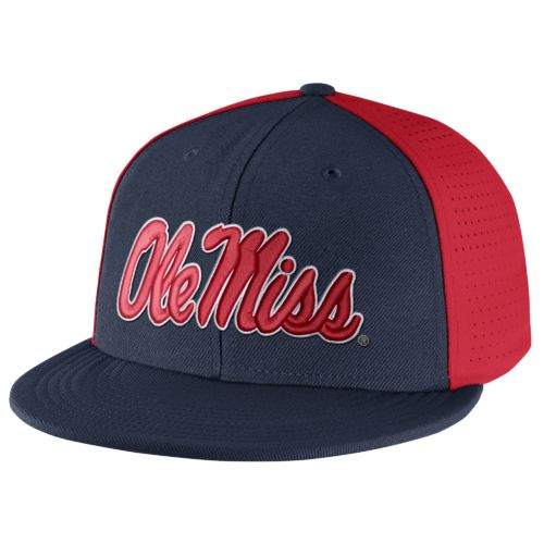 Nike™ Men's University of Mississippi Players True Swoosh Flex Cap