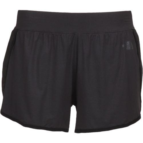 The North Face Women's Mountain Athletics Versitas Short - view number 1