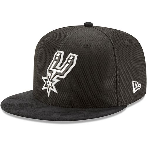 New Era Men's San Antonio Spurs 59FIFTY Team On Court Cap - view number 1