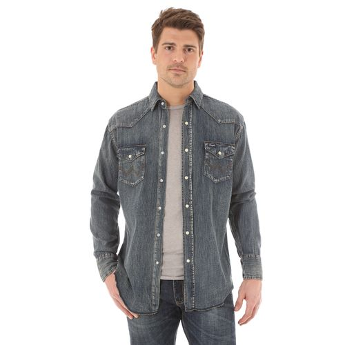 Display product reviews for Wrangler Men's Cowboy Cut Long Sleeve Spread Collar Slub Denim Shirt