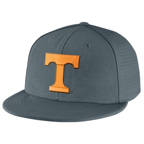 Nike™ Men's University of Tennessee Players True Swoosh Flex Cap