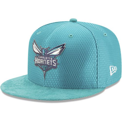 New Era Men's Charlotte Hornets 59FIFTY Team On Court Cap