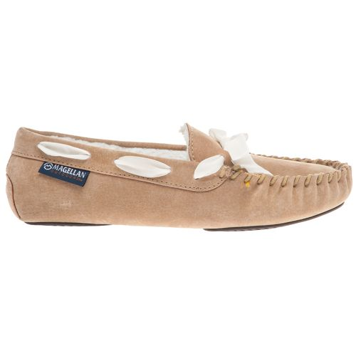 Display product reviews for Magellan Outdoors Women's Basic Moc Slippers