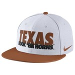 Nike Men's University of Texas True Motto Cap