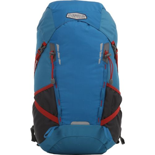 Magellan Outdoors Castlewood 40 l Hydration Pack