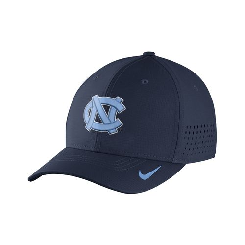 Nike™ Men's University of North Carolina Classic99 Swoosh Flex Cap