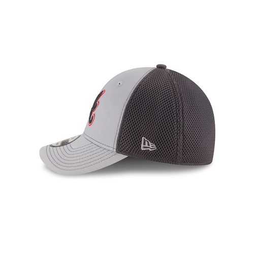 New Era Men's Atlanta Braves 39THIRTY Grayed Out Neo 2 Cap - view number 4