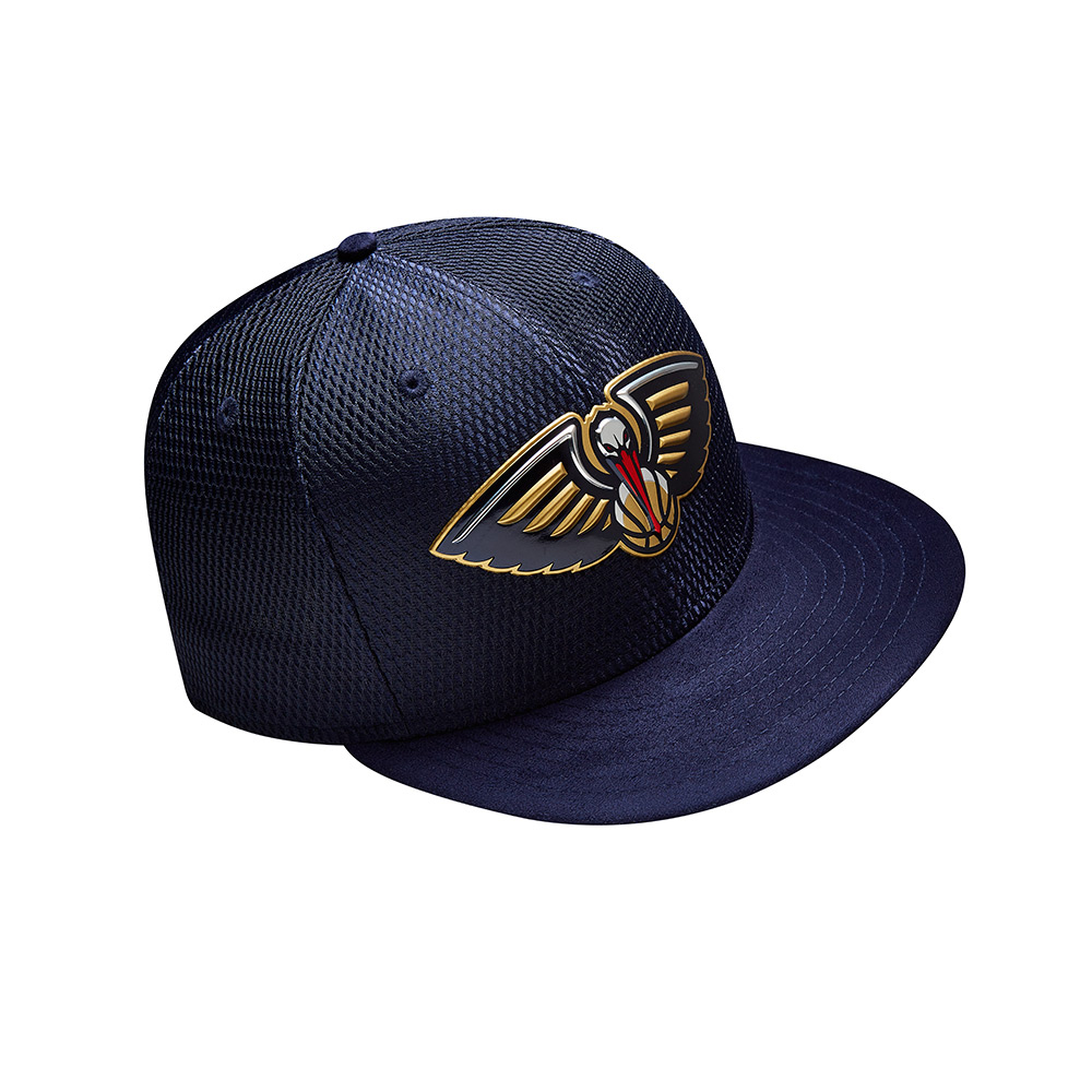 New Era Men's New Orleans Pelicans 59FIFTY Team On Court Cap - view number 3