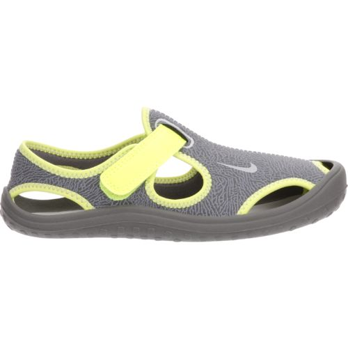 Display product reviews for Nike Boys' Sunray Protect Shoes