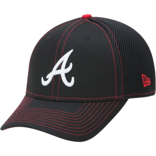 New Era Men's Atlanta Braves 39THIRTY Crux Line NEO Cap
