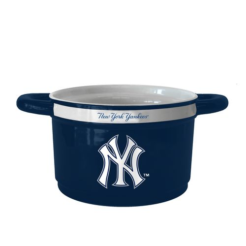 Boelter Brands New York Yankees Gametime 23 oz. Ceramic Bowl
