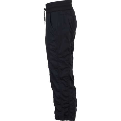 The North Face Women's Aphrodite 2.0 Capri Pant - view number 5