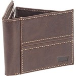 Levi's® Men's Traveler Wallet