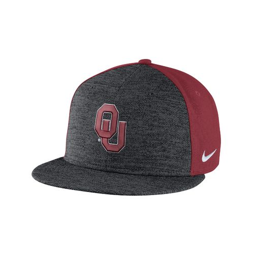 Nike™ Men's University of Oklahoma New Day True Cap