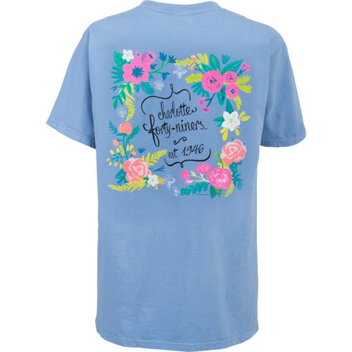 New World Graphics Women's University of North Carolina Comfort Color Circle Flowers T-shirt